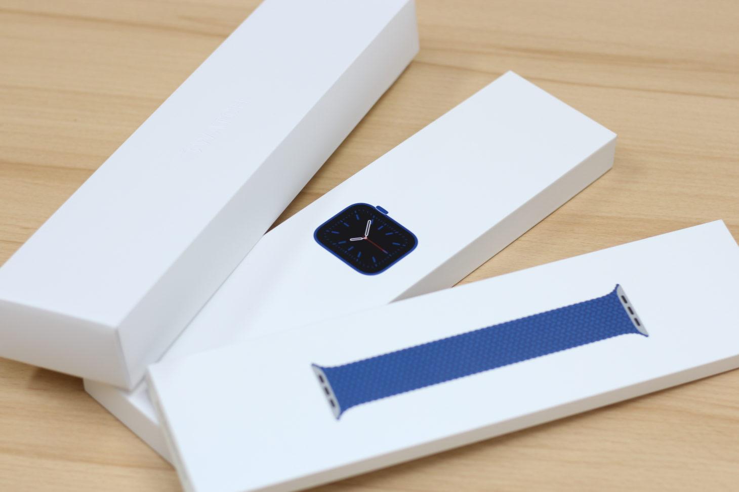 Apple Watch Series 6を発売初日にApple Storeに並んで購入! 新色ブルーとブレイデッドソロループの開封レポート